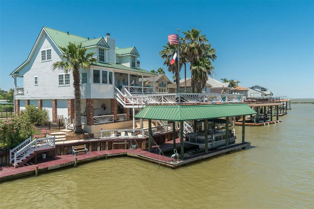 135 Port Street Property Photo - San Leon, TX real estate listing