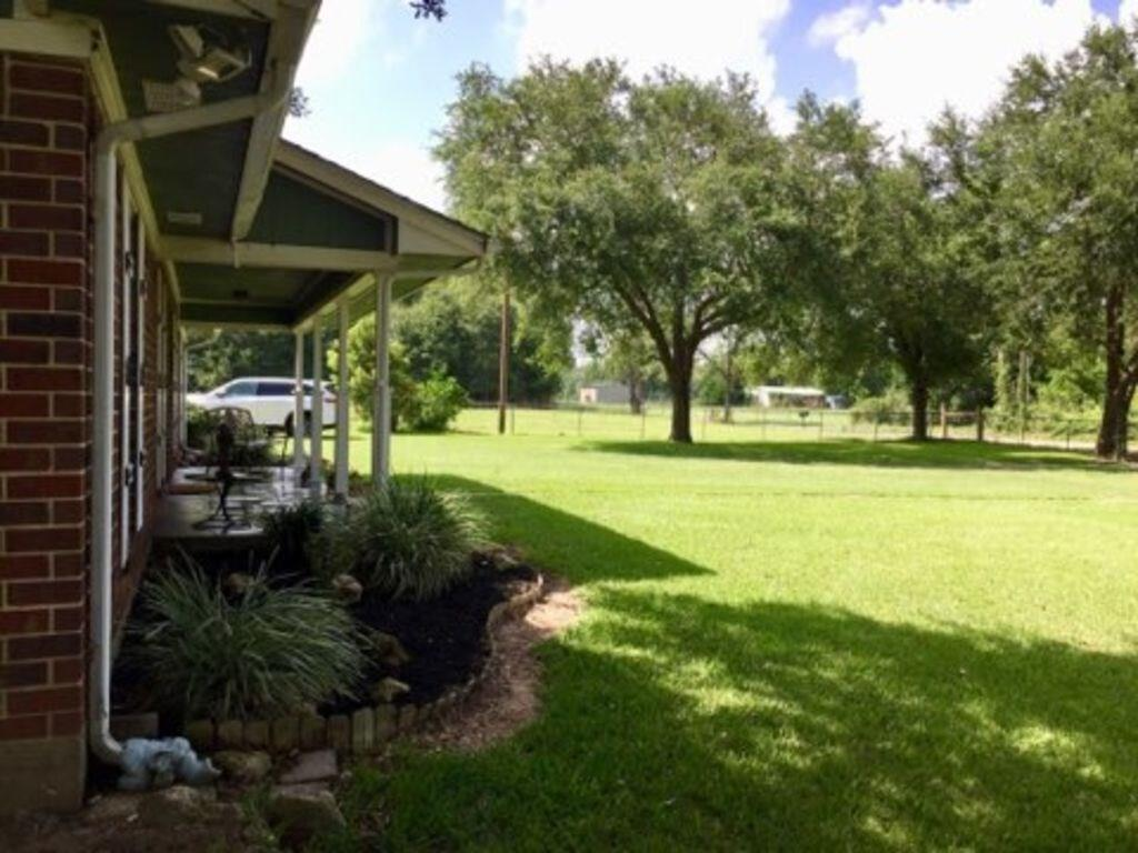 1502 Shraderville Road Property Photo - Shepherd, TX real estate listing