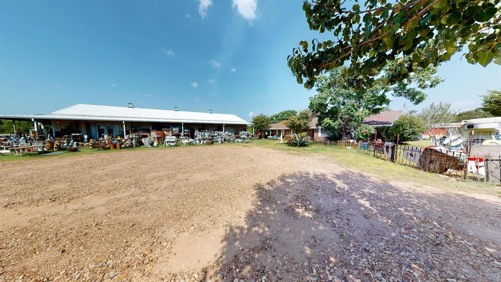 1350 N State Highway 237 Property Photo - Round Top, TX real estate listing