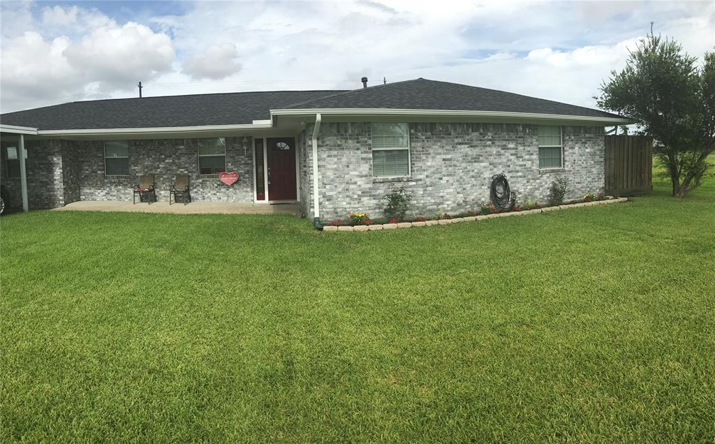 519 Burnett Drive Property Photo - Baytown, TX real estate listing