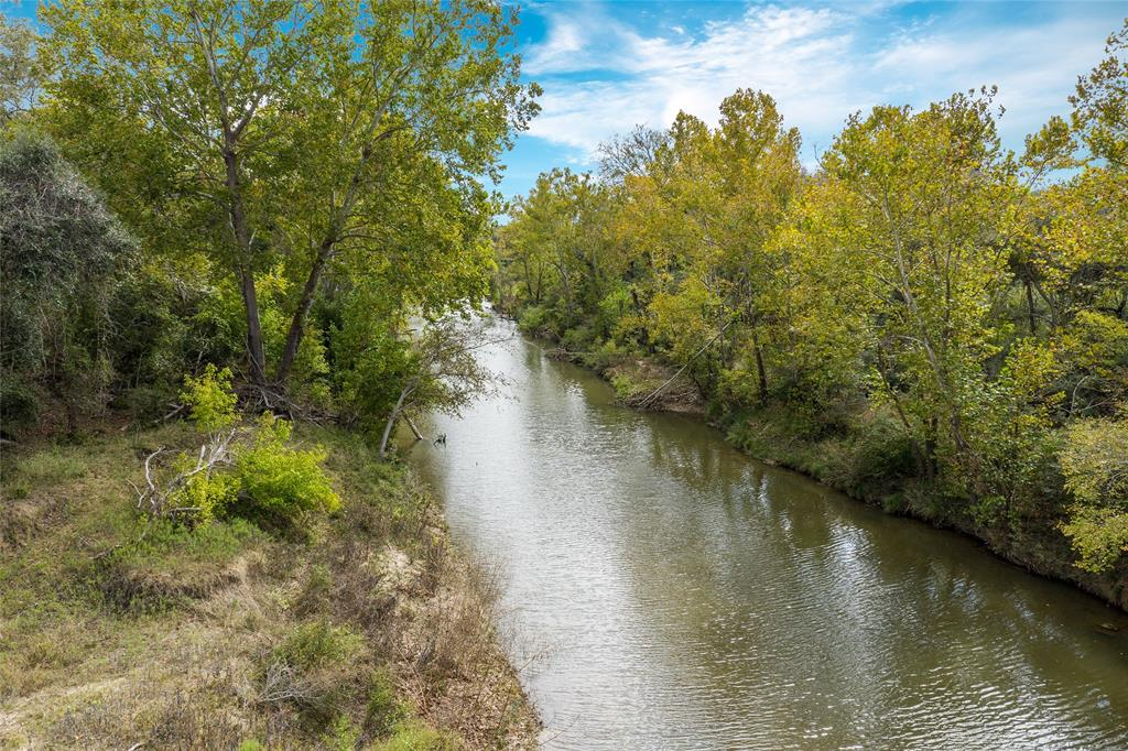 TBD Roadrunner Ln Property Photo - Columbus, TX real estate listing