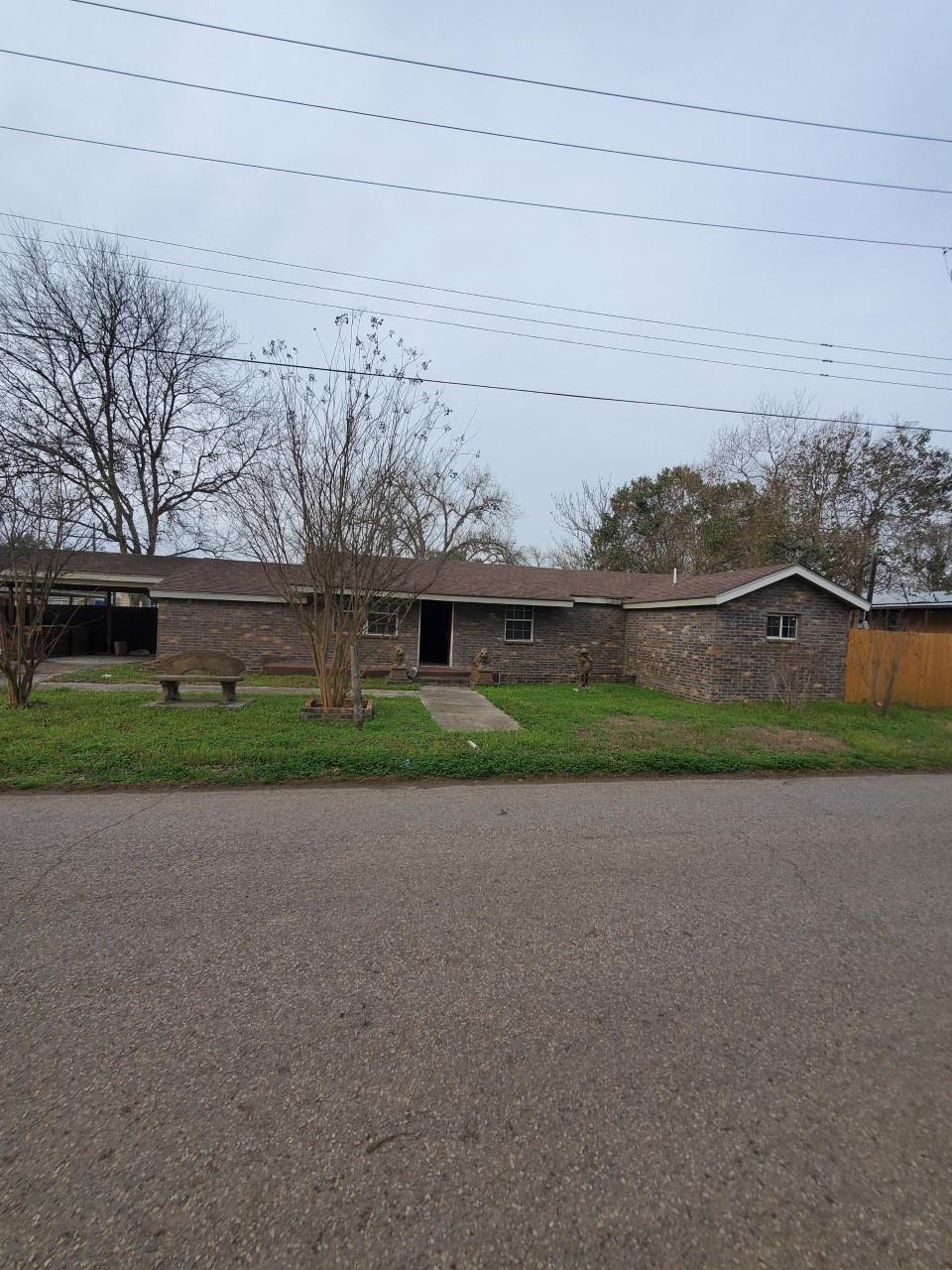 1030 Dewees Street Property Photo 1