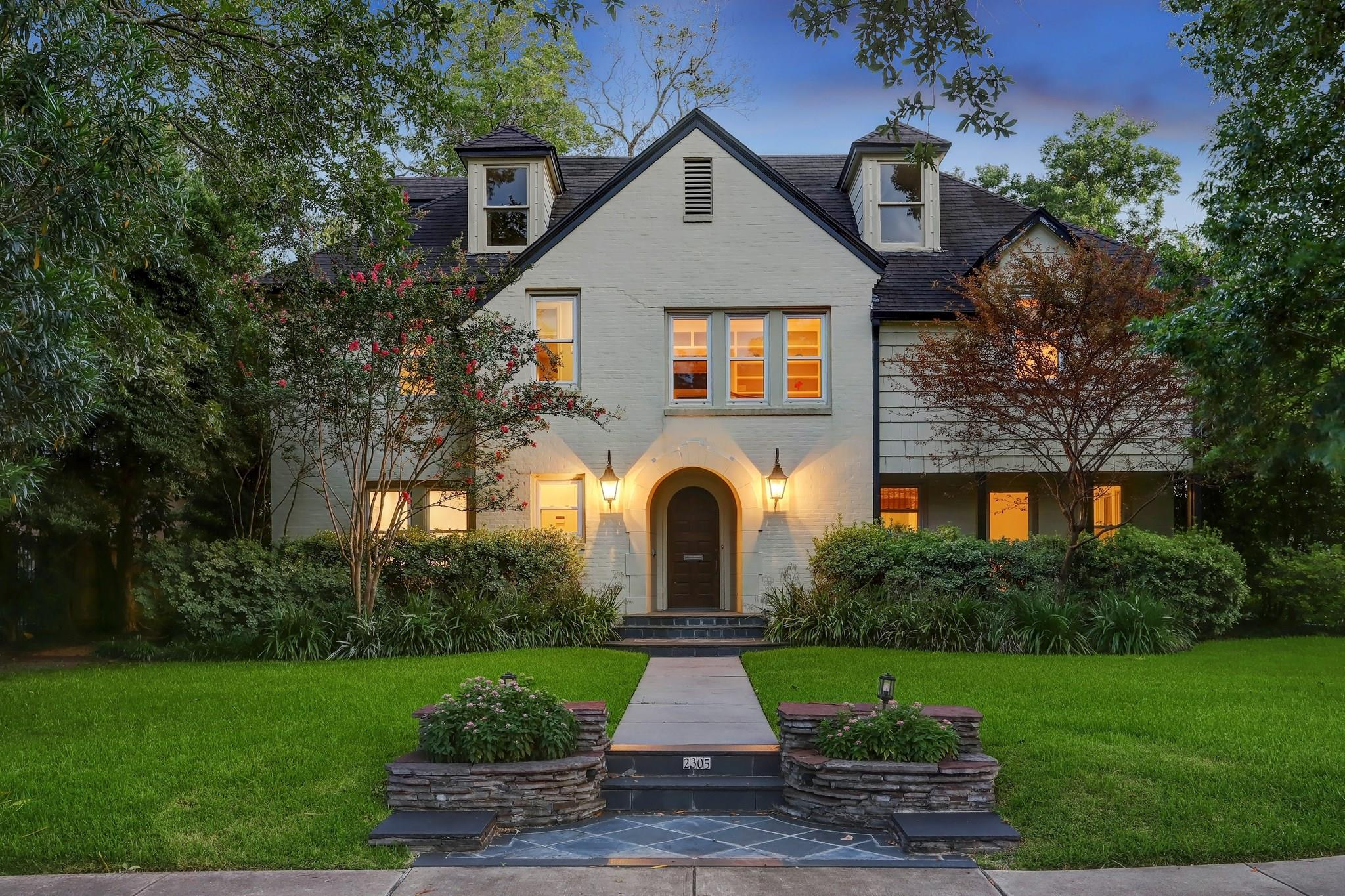 2305 Blue Bonnet Boulevard Property Photo - Houston, TX real estate listing