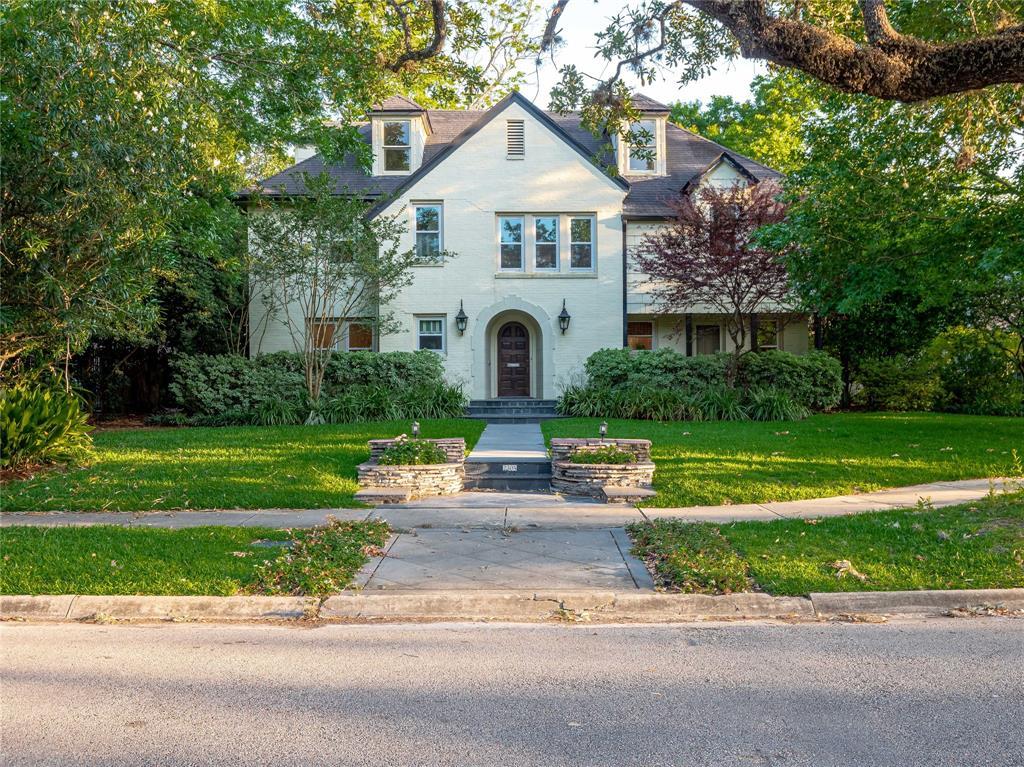 2305 Blue Bonnet Boulevard Property Photo - Houston, TX real estate listing
