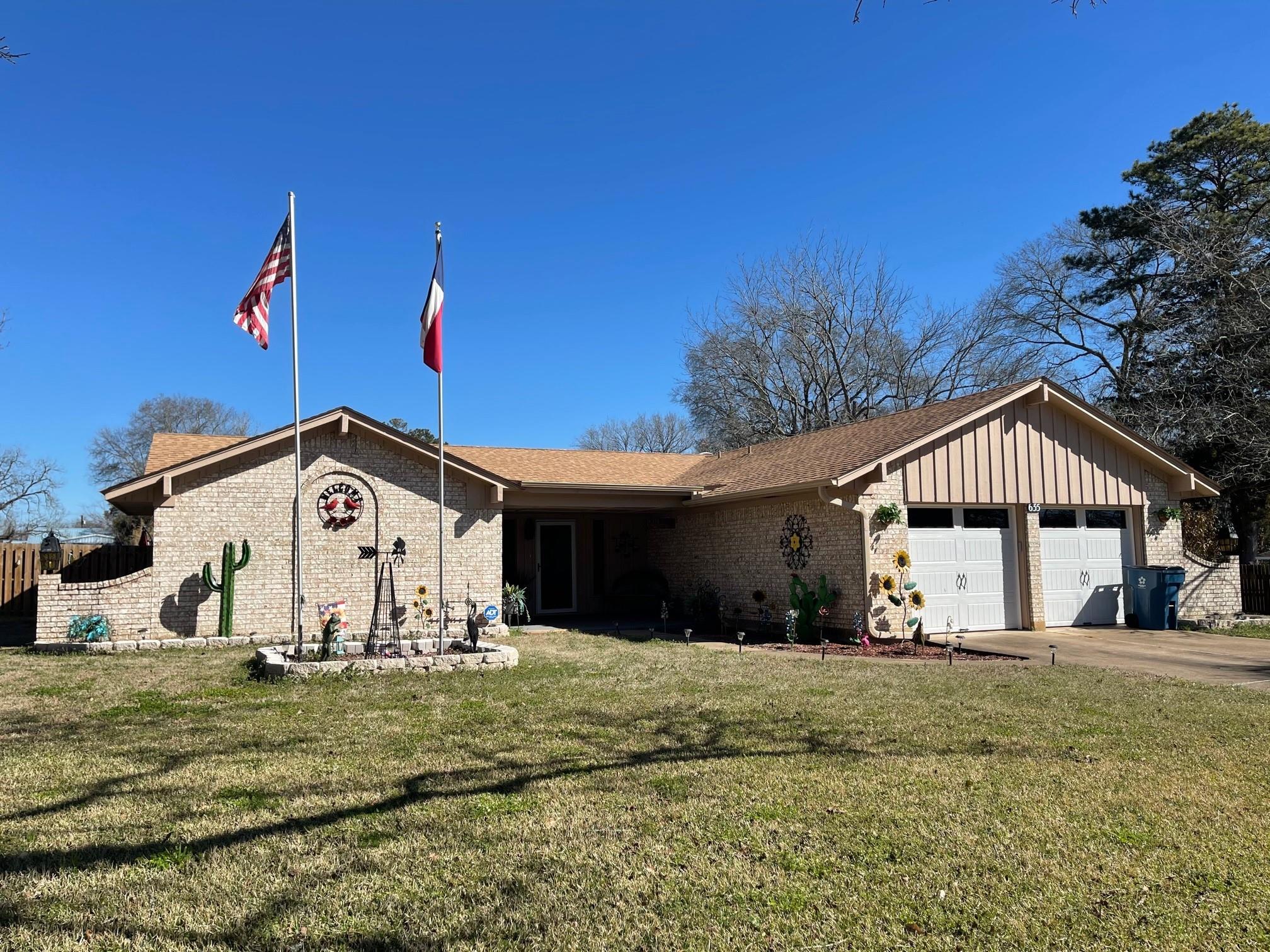 635 W Church Street Property Photo