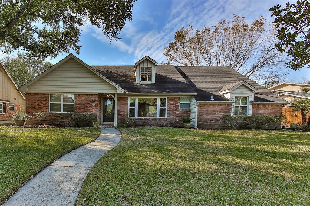 2206 Fenwood Drive Property Photo - Pasadena, TX real estate listing