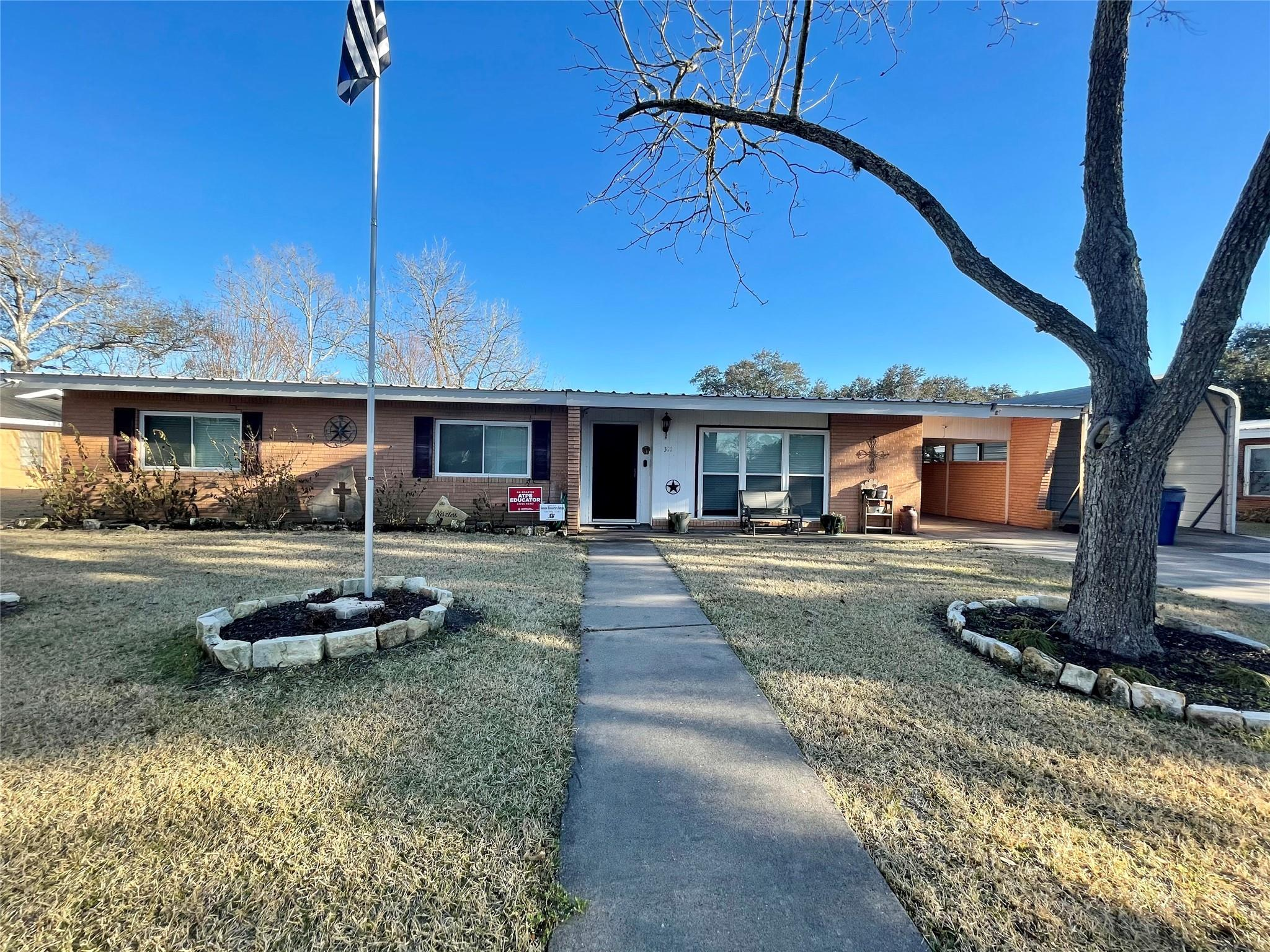 311 Ash Drive Property Photo - Ganado, TX real estate listing