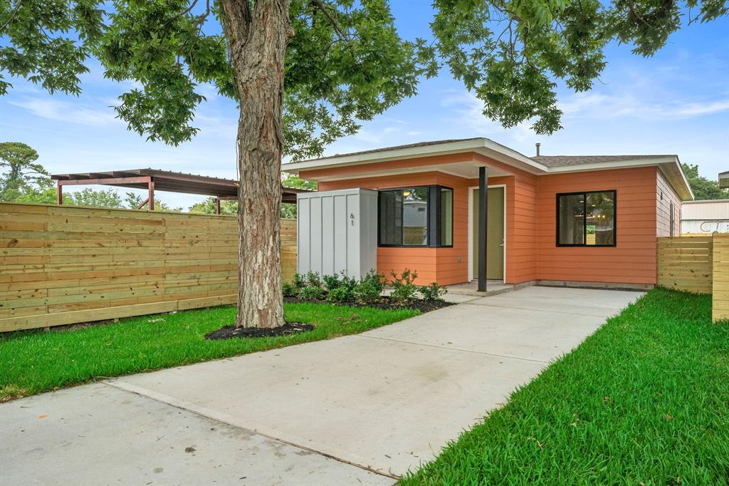 61 Meadow Lea Drive Property Photo - Houston, TX real estate listing