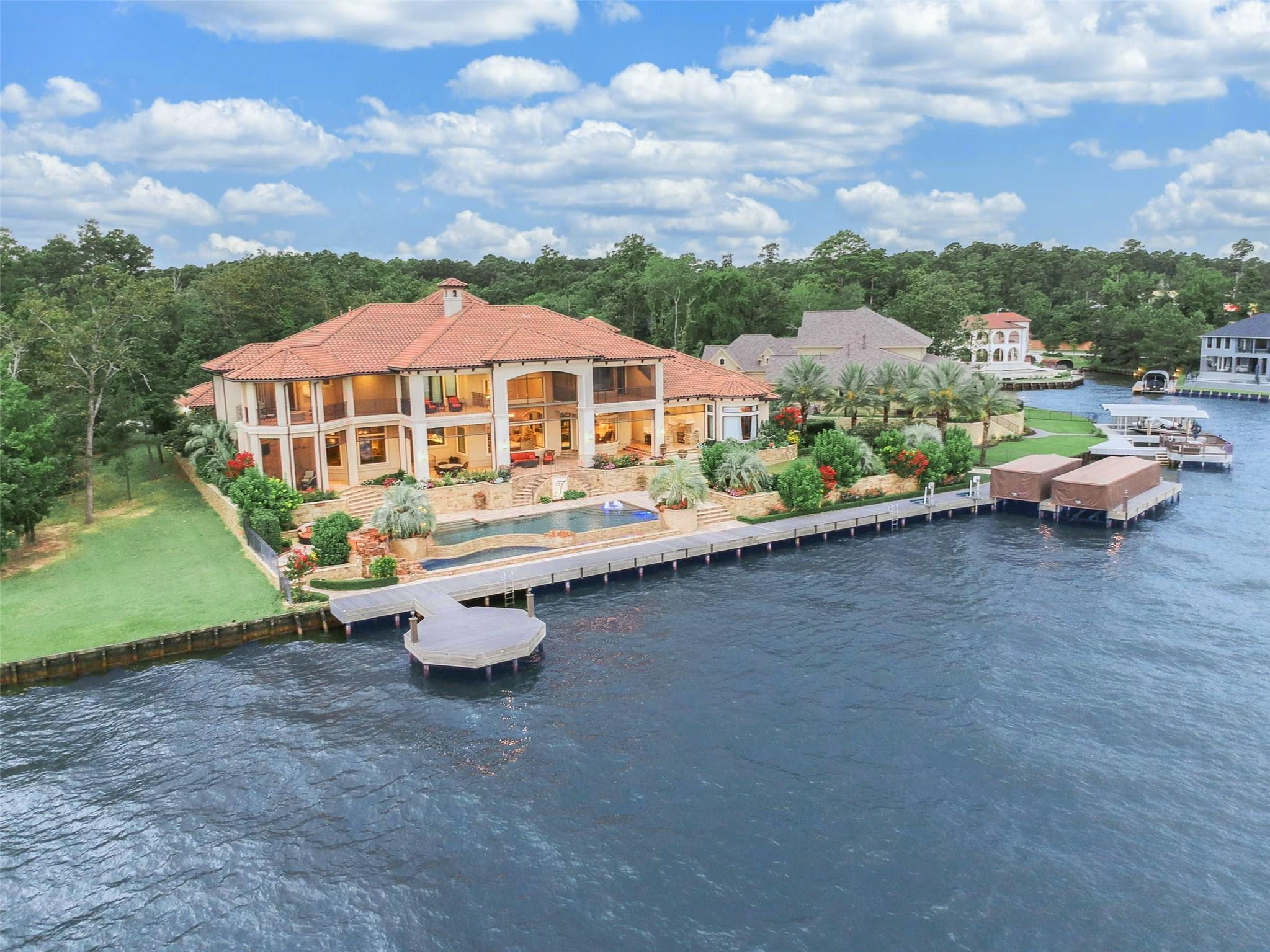 142 Bentwater Bay Drive Property Photo - Montgomery, TX real estate listing