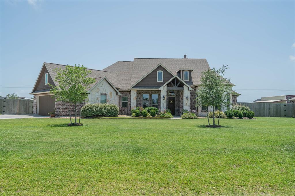 4882 Dutton Lake Drive Property Photo - Baytown, TX real estate listing