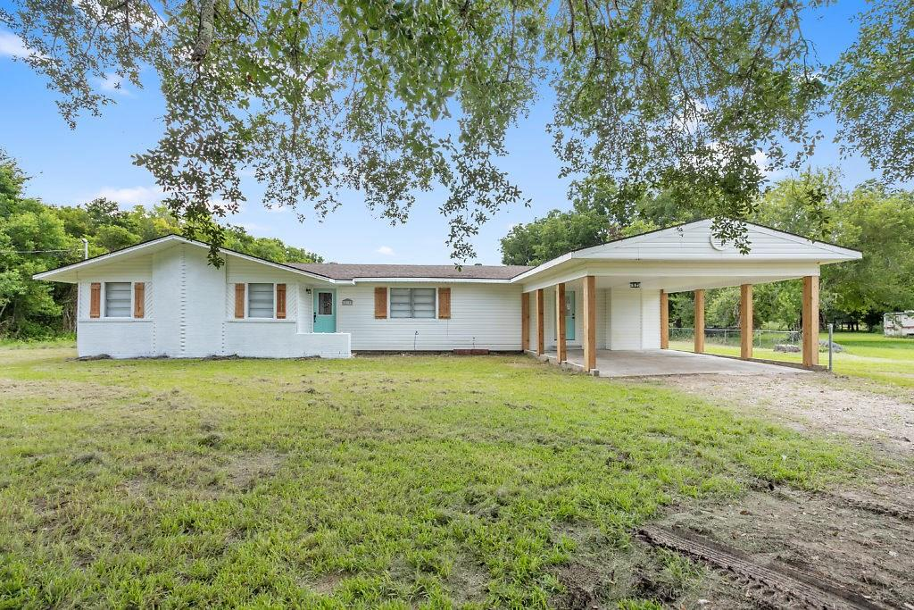 12199 E Hamshire Road Property Photo - Hamshire, TX real estate listing