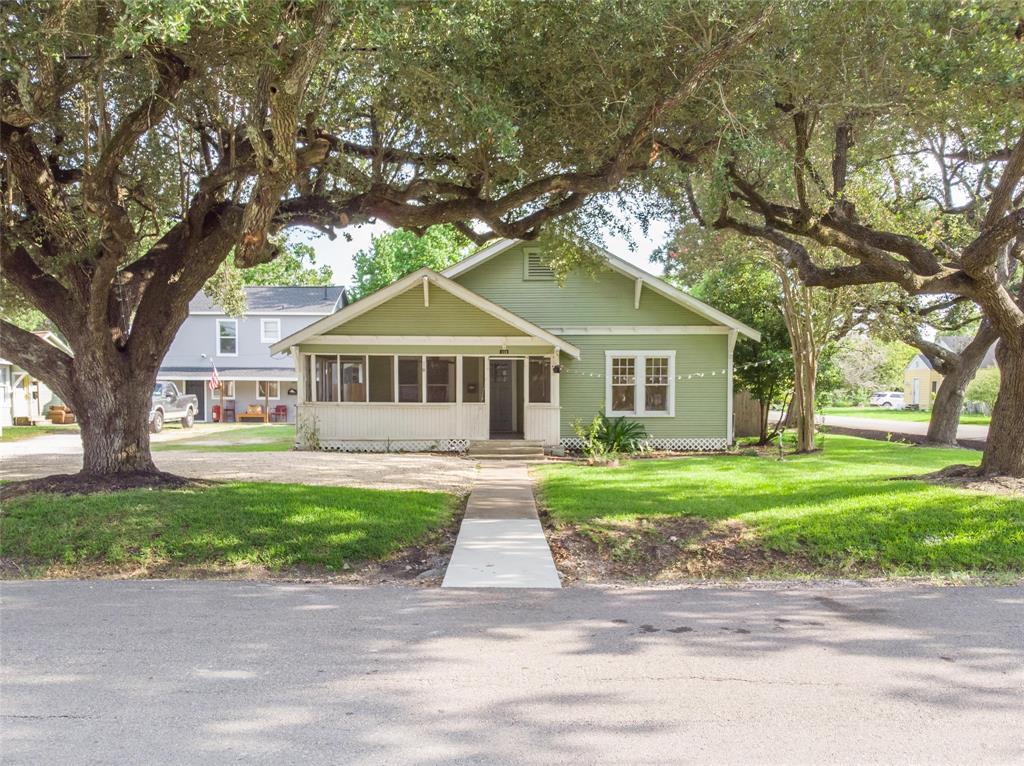 119 W B Street, La Porte, TX 77571 - La Porte, TX real estate listing
