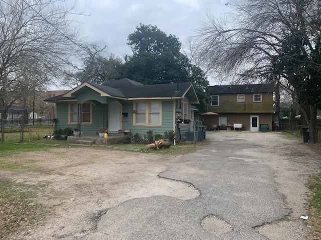 630 King Street Property Photo