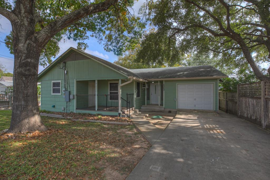2069 Chinaberry Lane Property Photo - New Braunfels, TX real estate listing