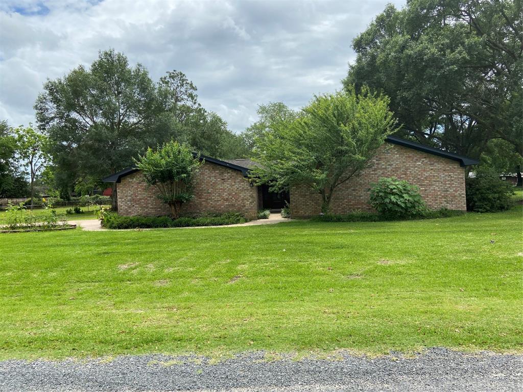 625 Meadowcroft Lane Property Photo - Winnie, TX real estate listing