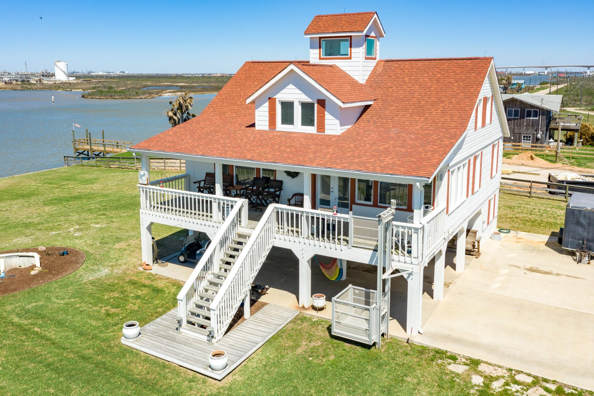 1238 Canal Drive Property Photo - Surfside Beach, TX real estate listing