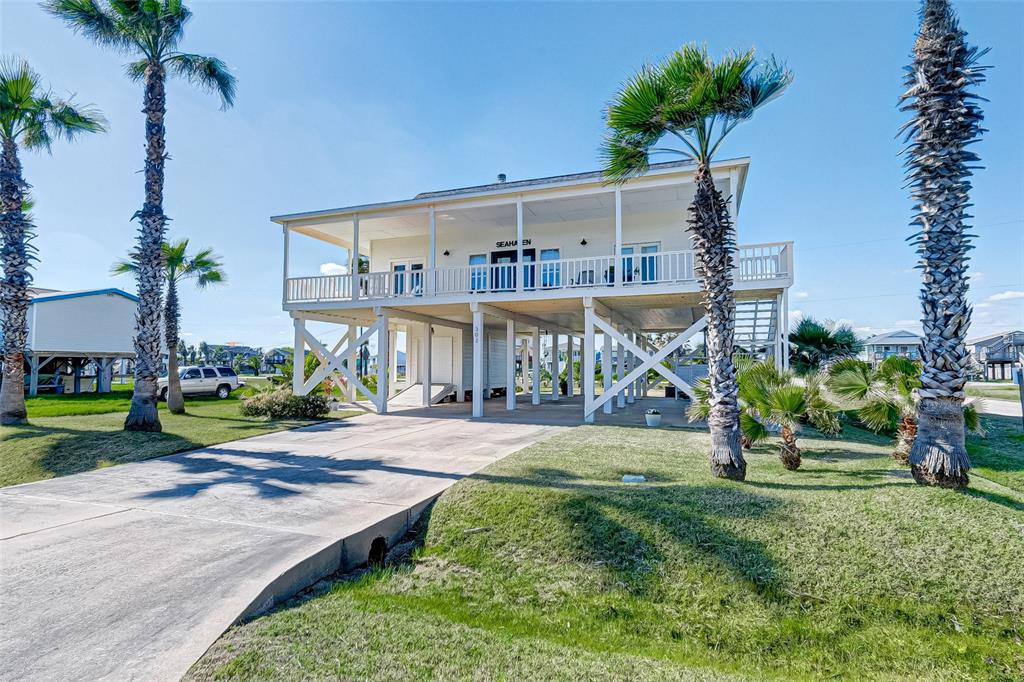 302 Seashell Drive, Surfside Beach, TX 77541 - Surfside Beach, TX real estate listing