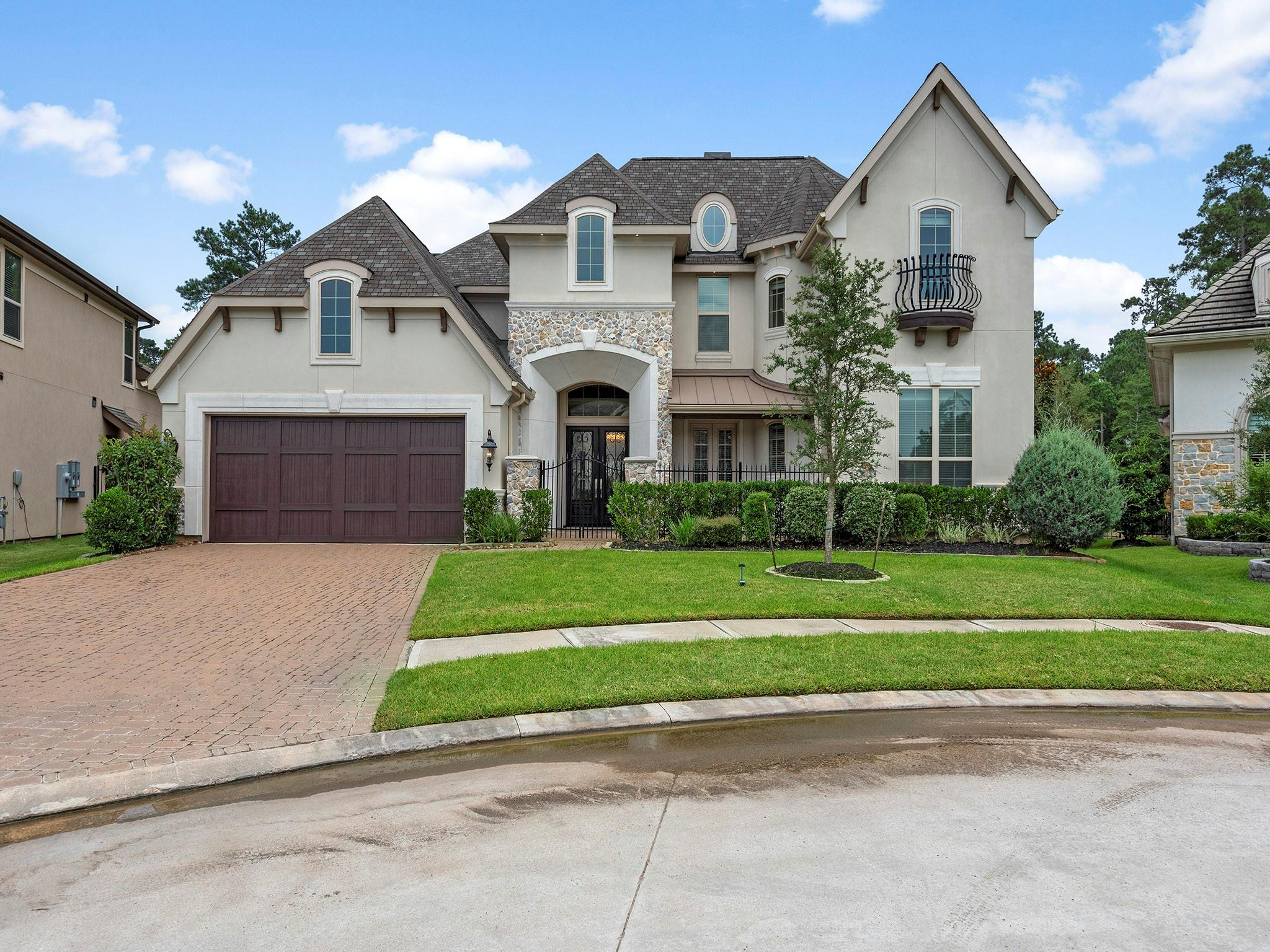 1023 Oakshire Lane Property Photo 1