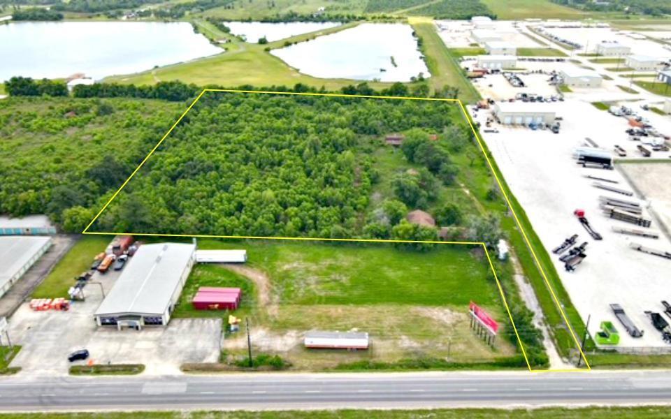 11524 Interstate 10 E Property Photo