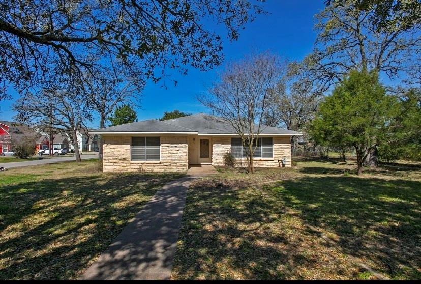 316 Tee Drive Property Photo - Bryan, TX real estate listing
