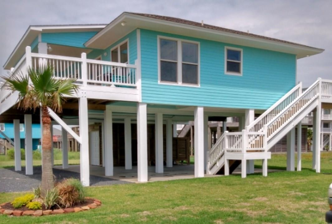 2639 Holiday Property Photo - Crystal Beach, TX real estate listing