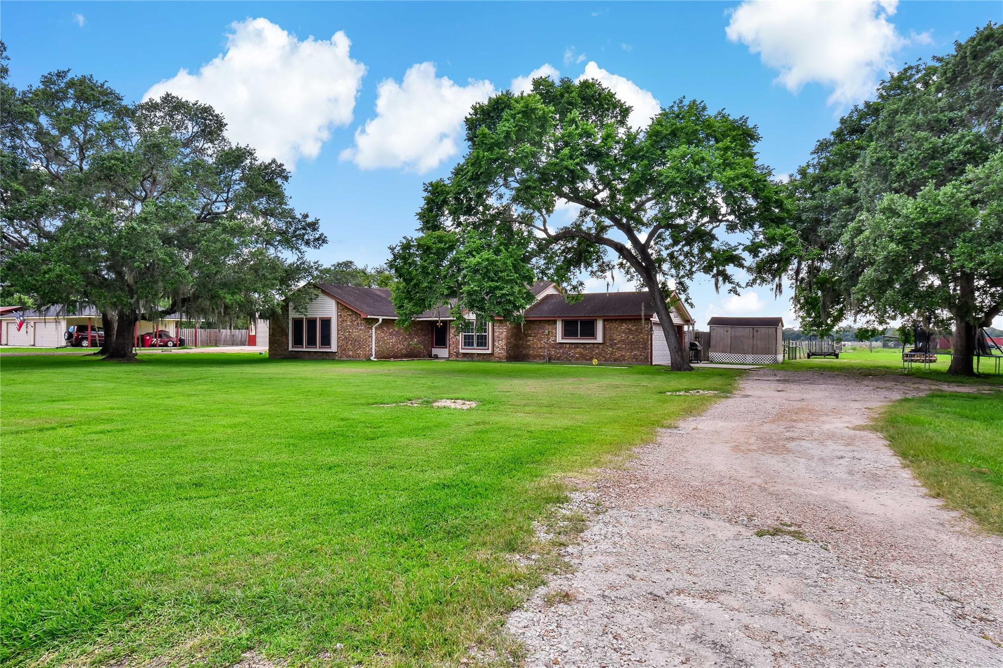 7594 County Road 684c Property Photo