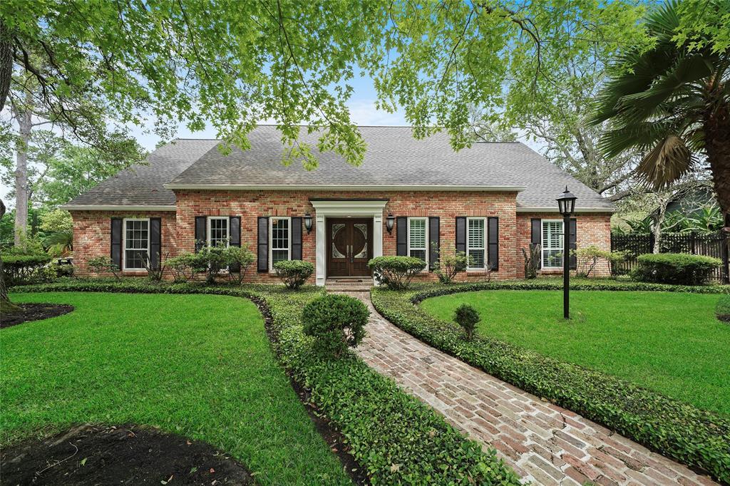 10807 Timberglen Drive Property Photo - Hunters Creek Village, TX real estate listing