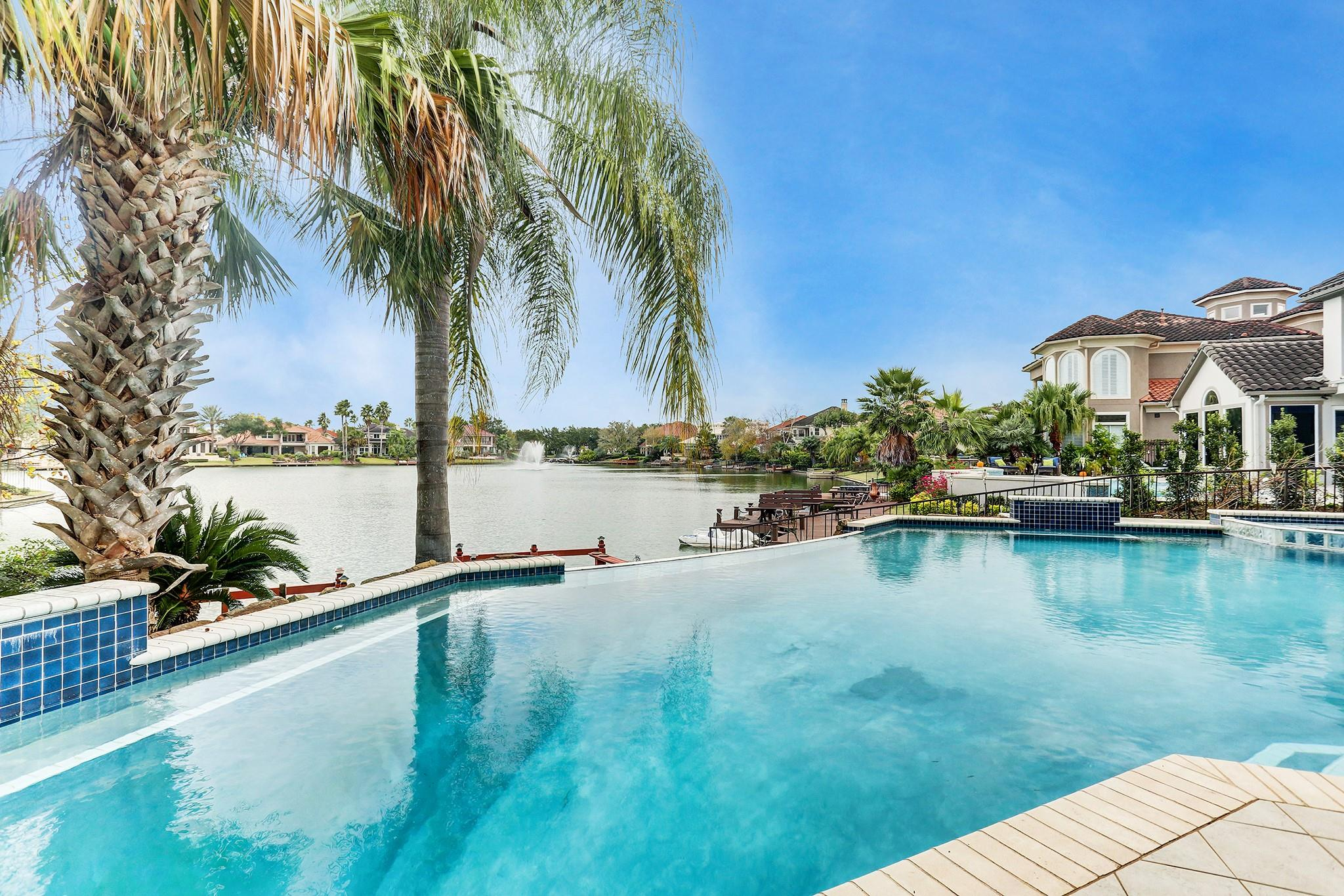 19030 Windsor Lakes Drive Property Photo - Houston, TX real estate listing