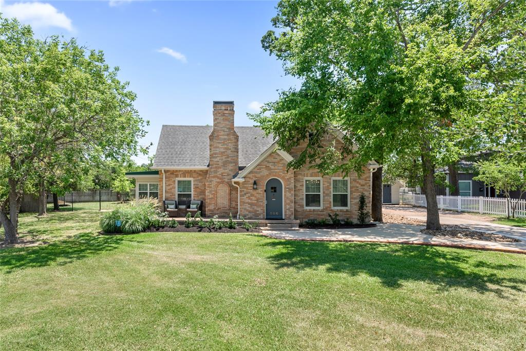 506 W Dexter Drive Property Photo - College Station, TX real estate listing