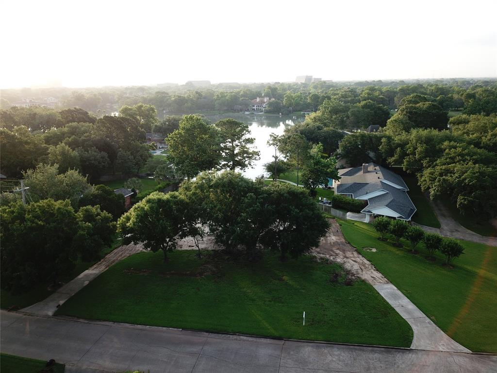 311 Lombardy Drive Property Photo - Sugar Land, TX real estate listing
