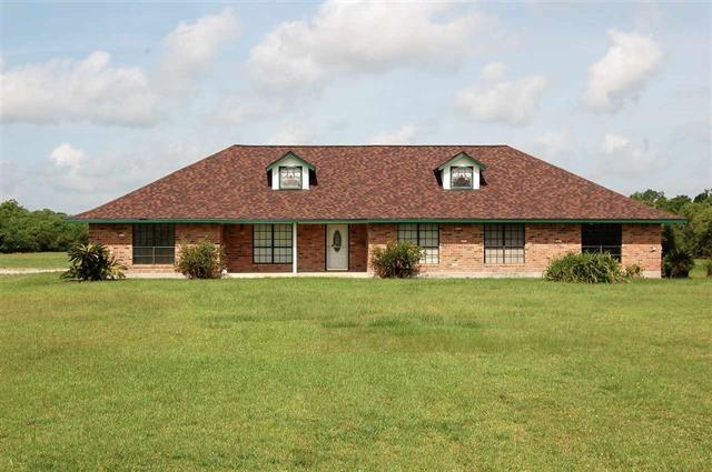 2304 Hayes Road Property Photo - Stowell, TX real estate listing