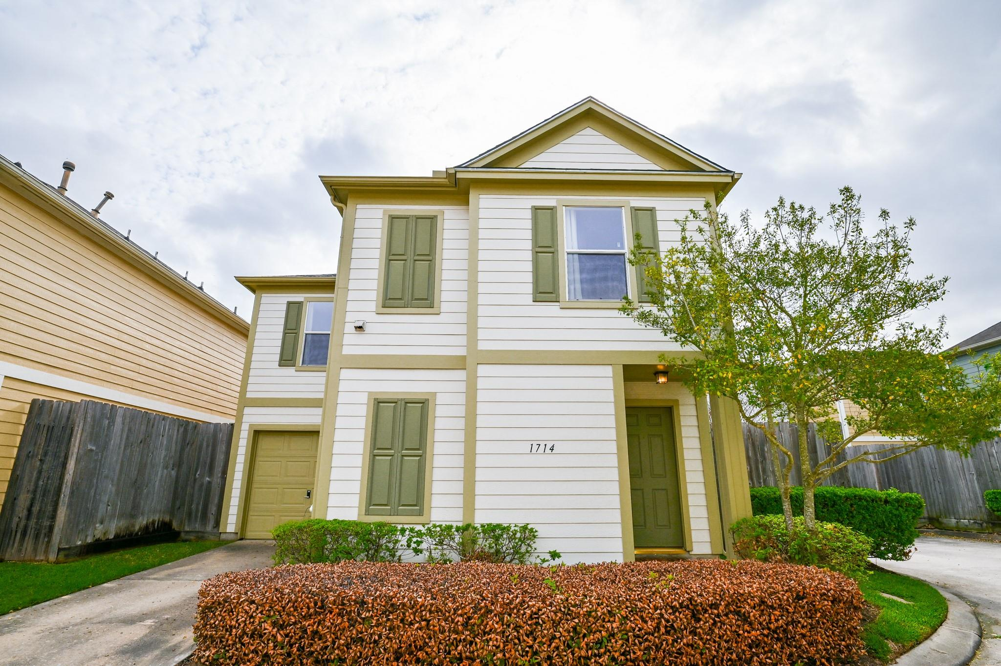 1714 Redwing Pines Drive Property Photo - Houston, TX real estate listing