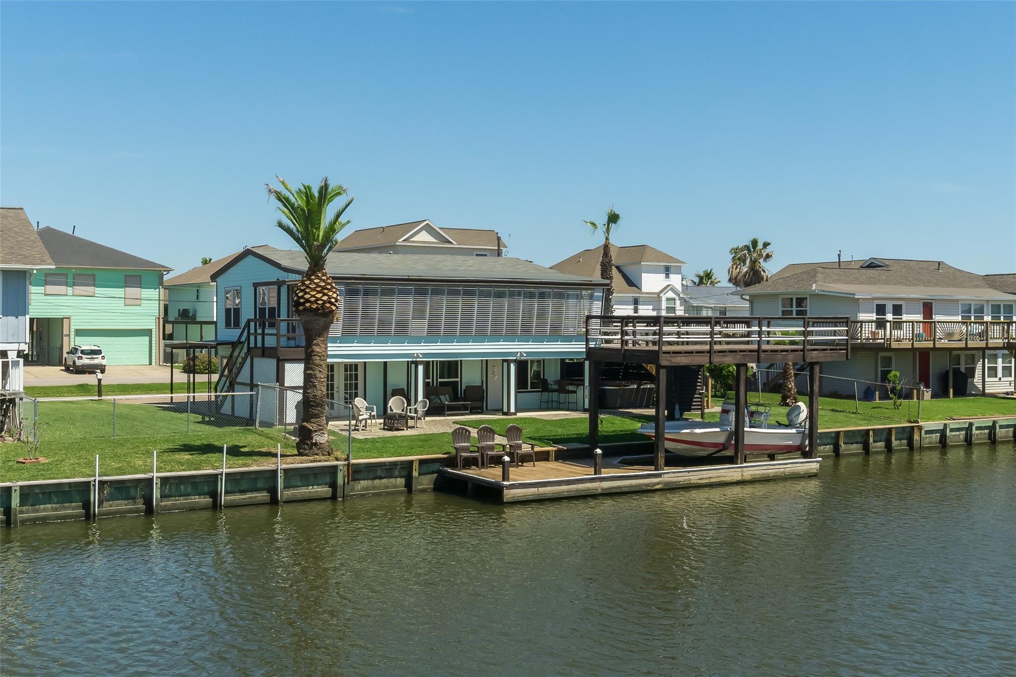 128 Tarpon Street Property Photo - Bayou Vista, TX real estate listing