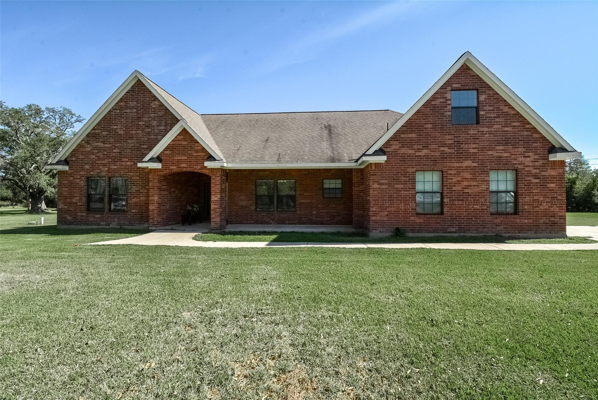 1404 Austin CR810F Drive Property Photo - West Columbia, TX real estate listing