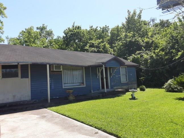 3540 East Freeway Property Photo - Baytown, TX real estate listing