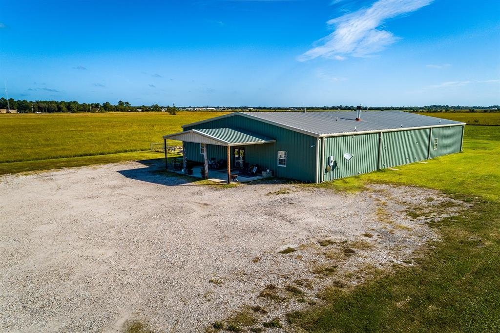 1221 S Ross Sterling Avenue Property Photo - Anahuac, TX real estate listing
