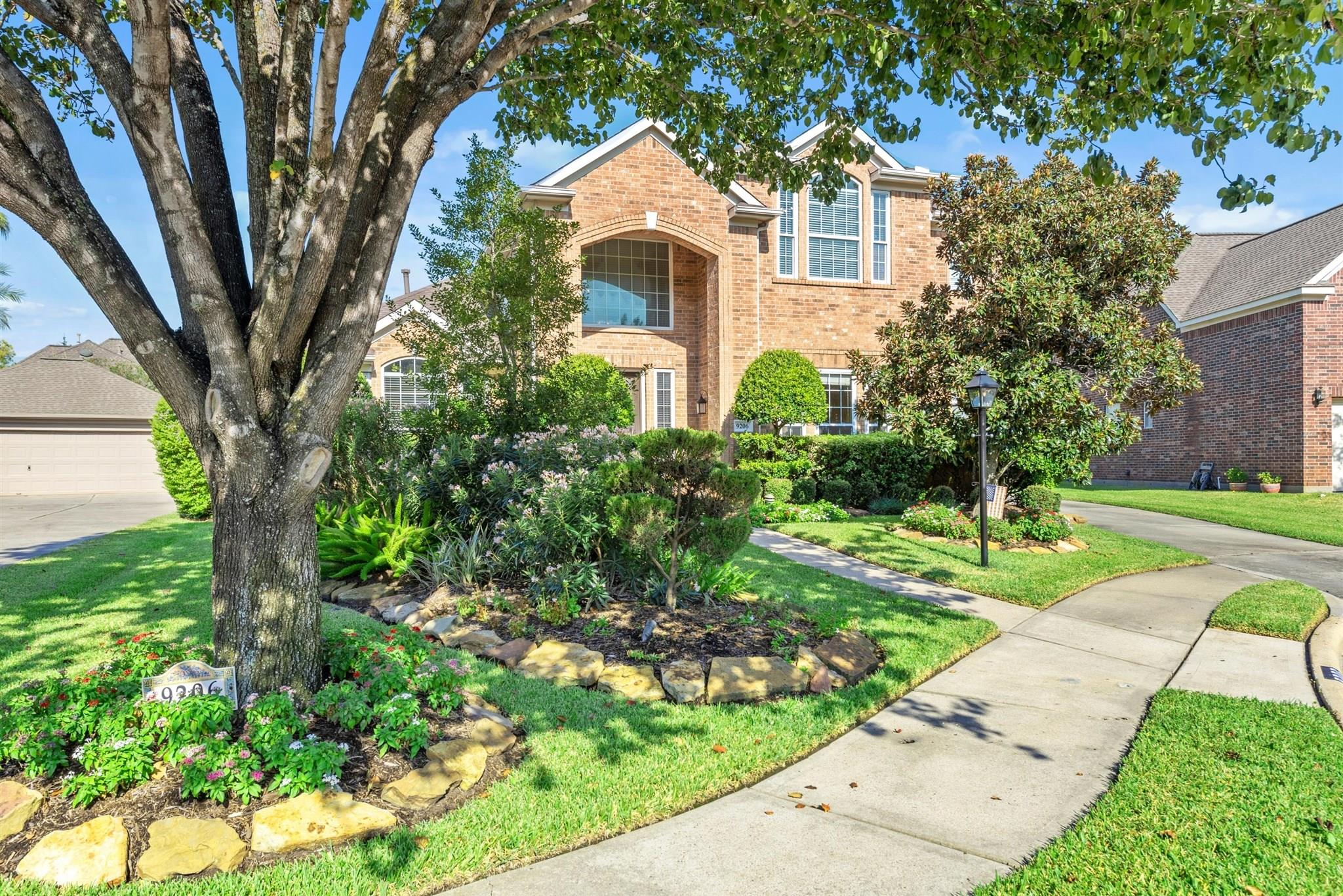 9206 Skipping Stone Lane Property Photo - Houston, TX real estate listing