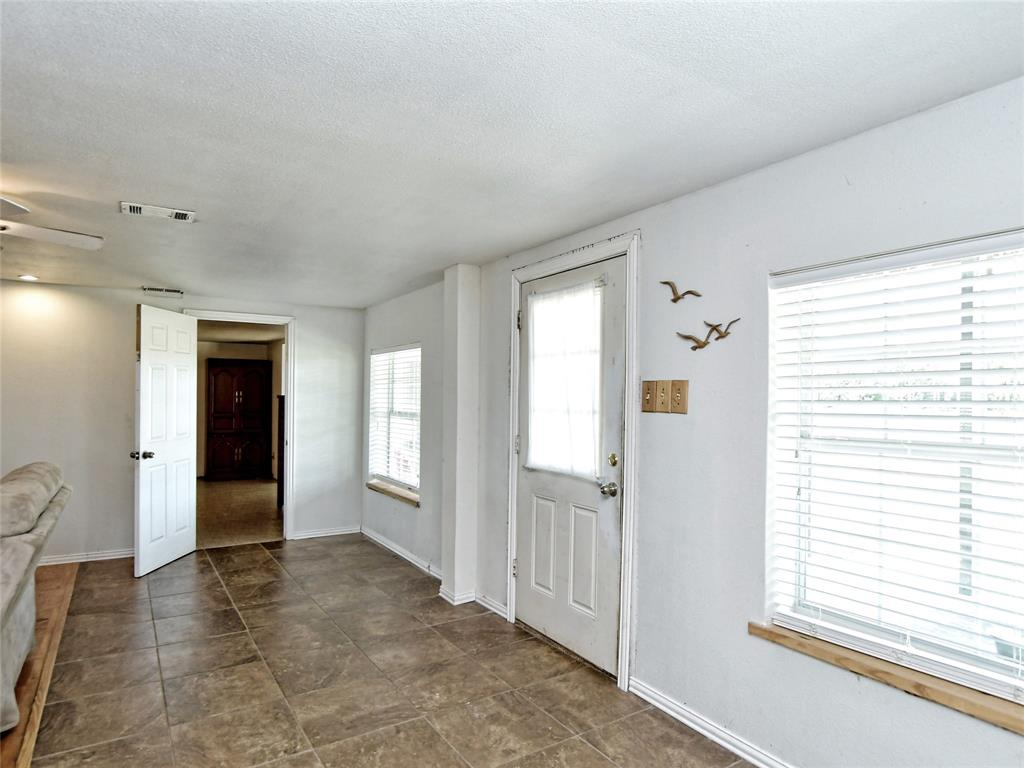 616 S Rockdale Street, Lexington, TX 78947 - Lexington, TX real estate listing