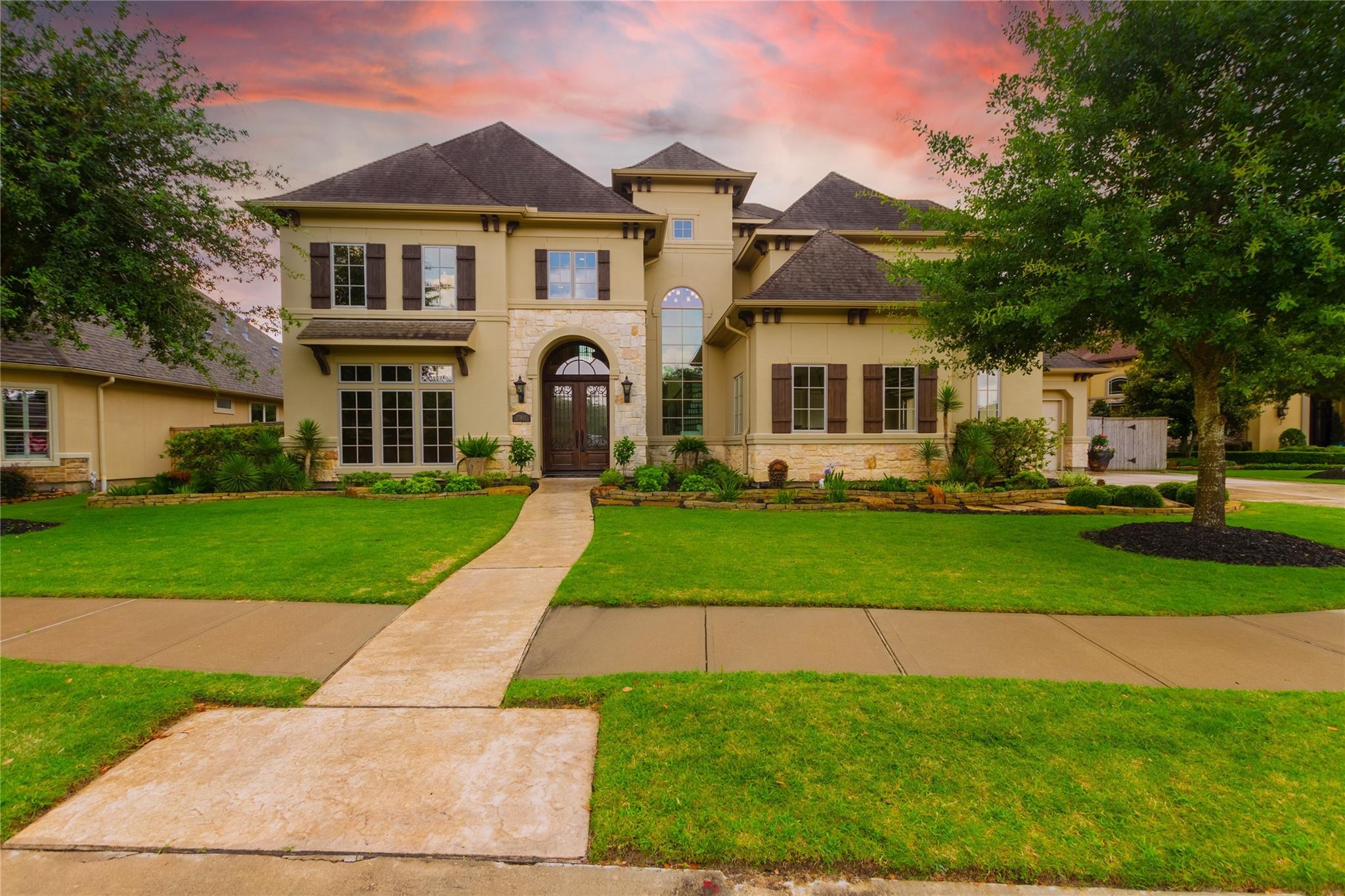 27811 Charter Lake Lane Property Photo 1