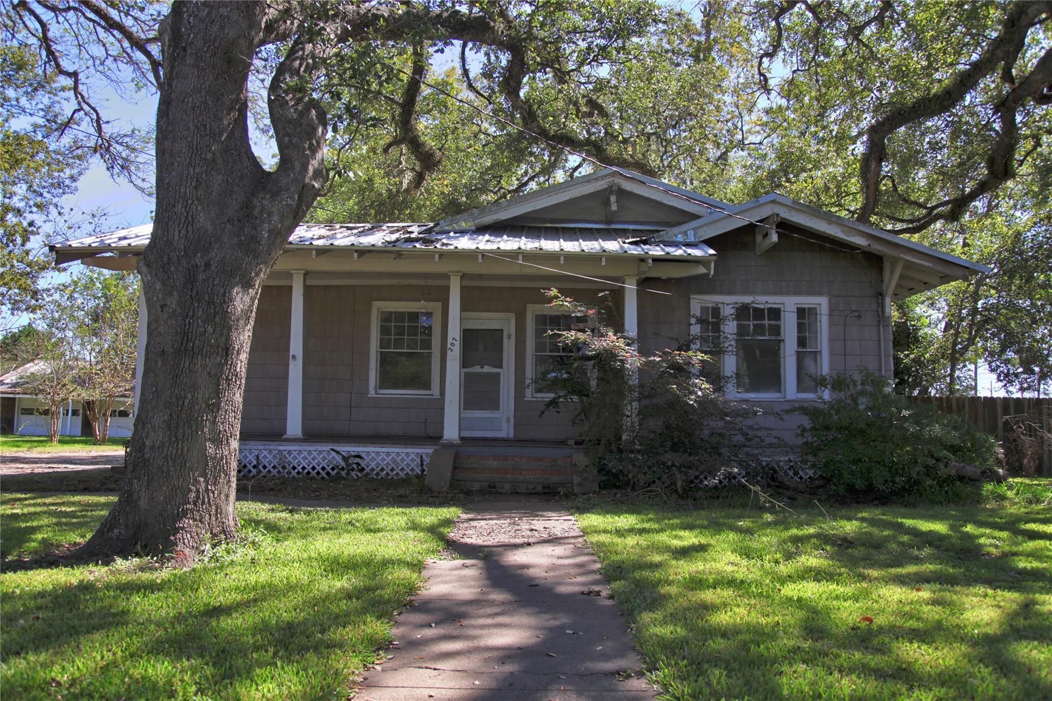 207 W Kay Street Property Photo