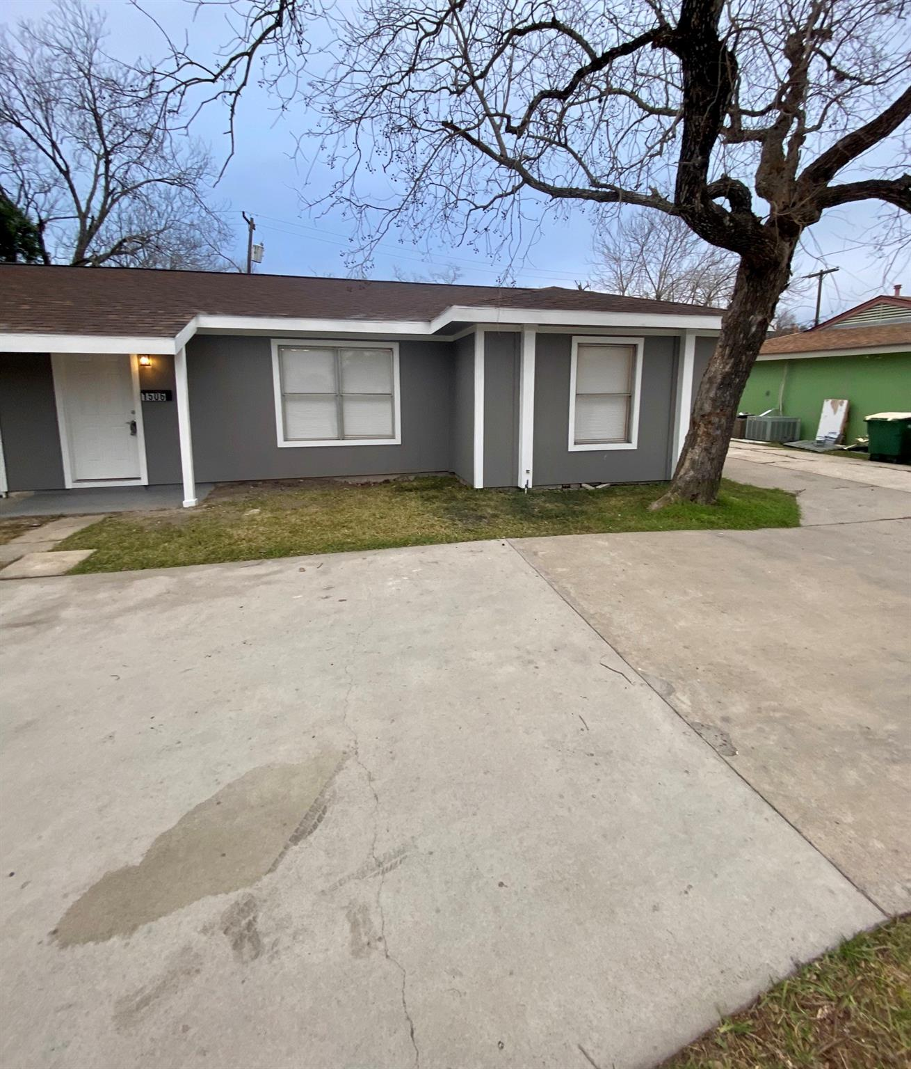 1506 Sam Houston Drive Property Photo - Victoria, TX real estate listing