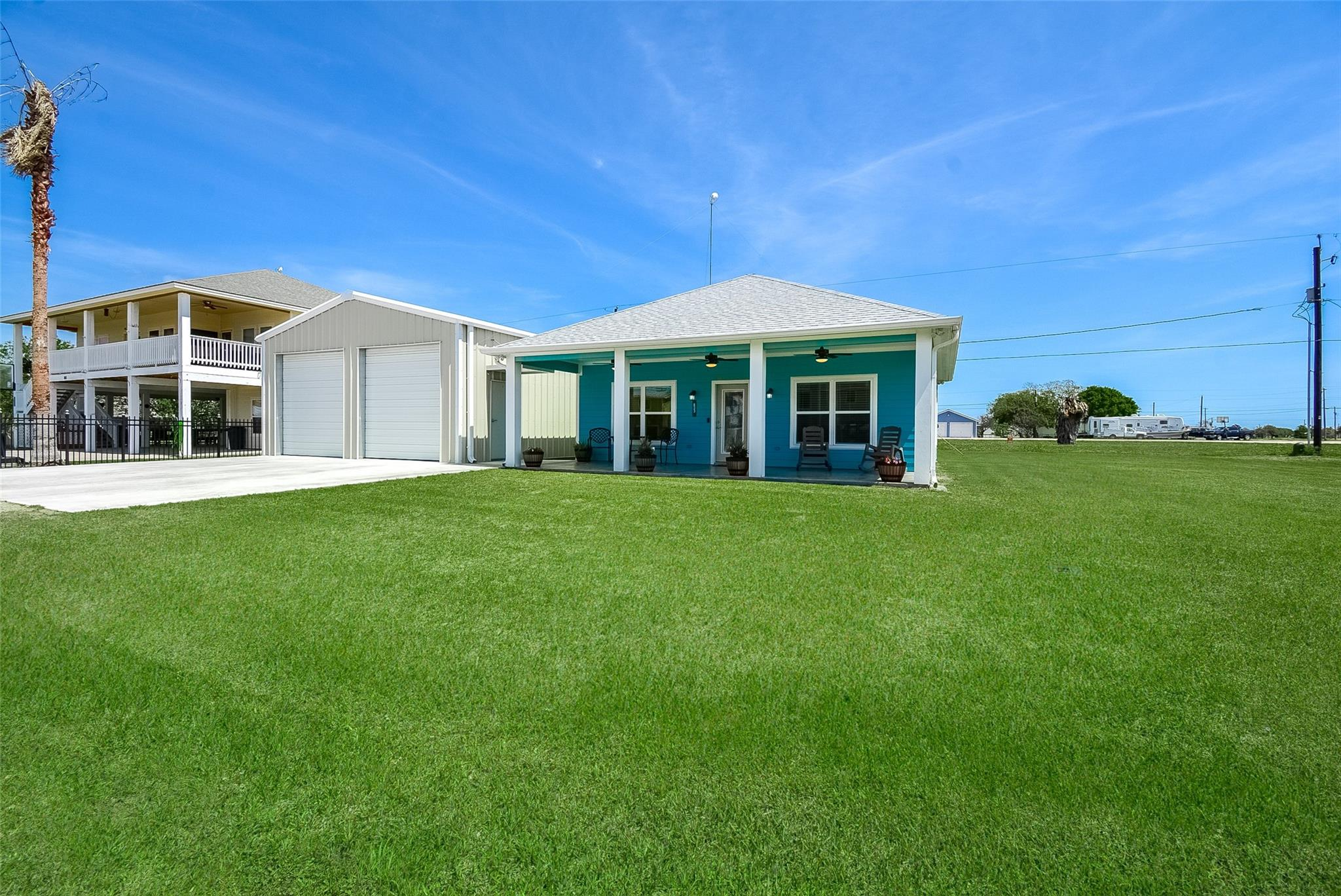 833 W Bayshore Drive Property Photo - Palacios, TX real estate listing