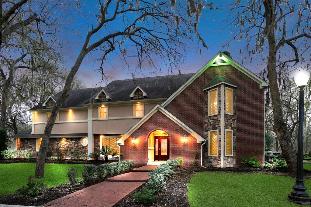 110 Rucks Drive Drive Property Photo - Angleton, TX real estate listing