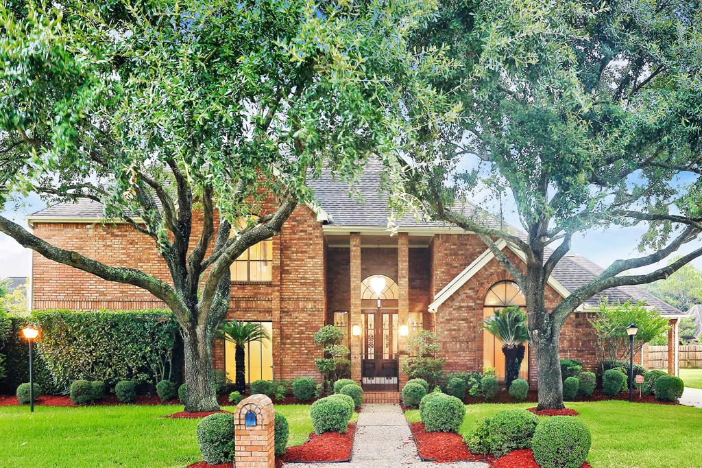 8302 Frontenac Drive Property Photo - Houston, TX real estate listing