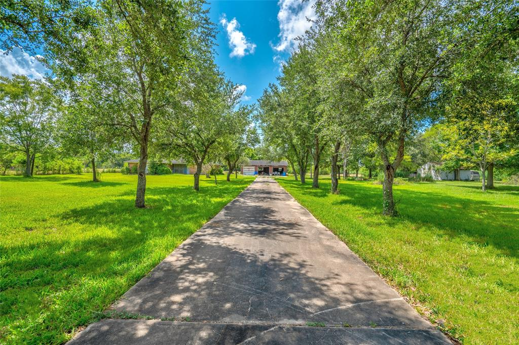 902 Post, Rosharon, TX 77583 - Rosharon, TX real estate listing