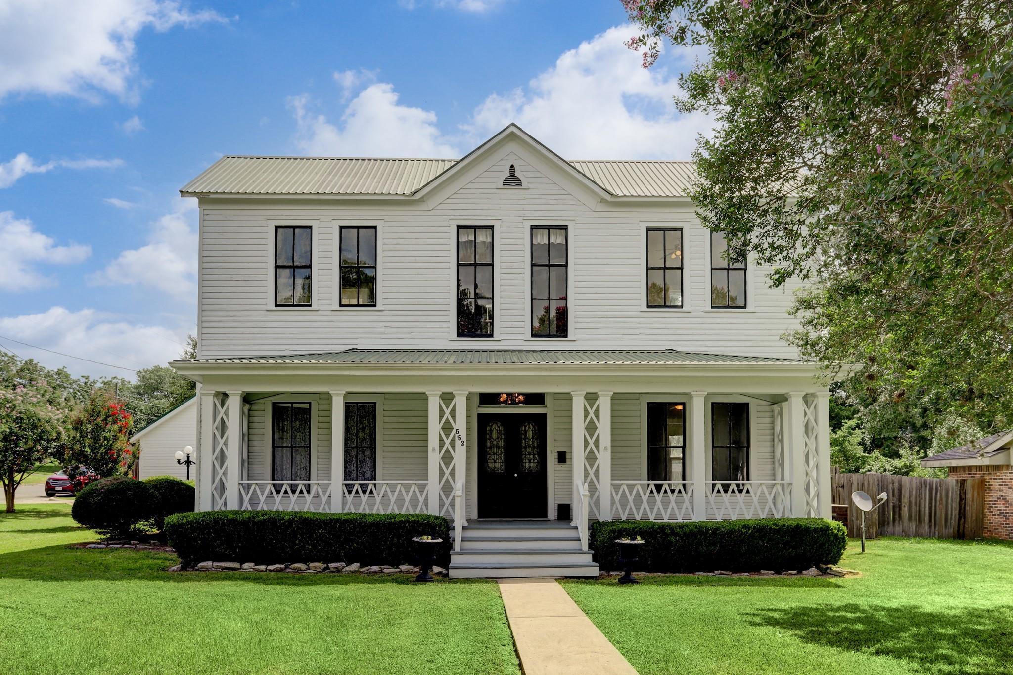 552 N Washington Street Property Photo 1