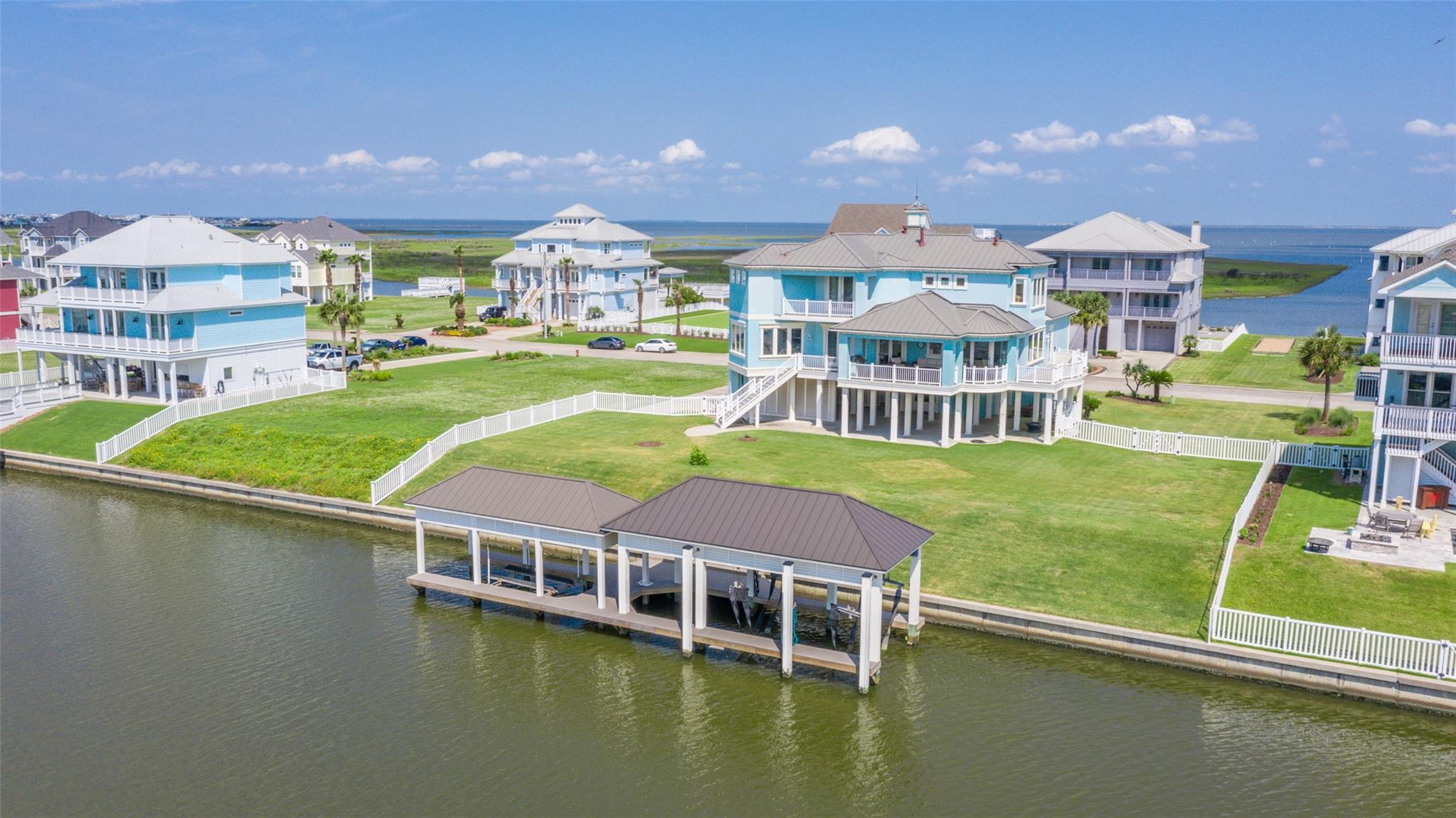 20719 E Sunset Bay Drive Property Photo 1