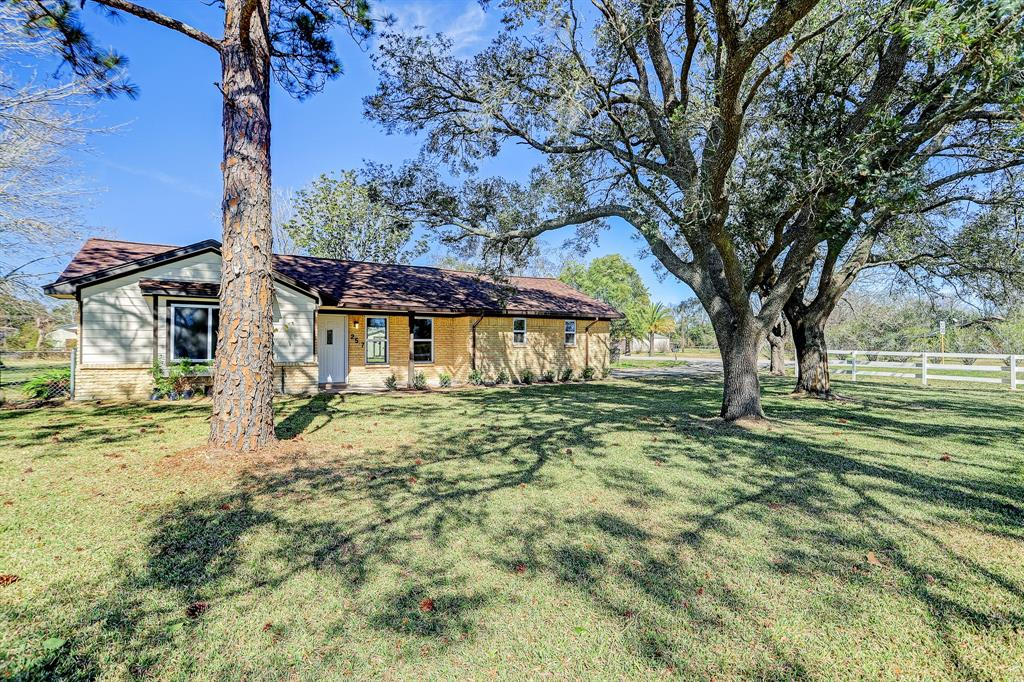 2517 Barbers Hill Road, Highlands, TX 77562 - Highlands, TX real estate listing