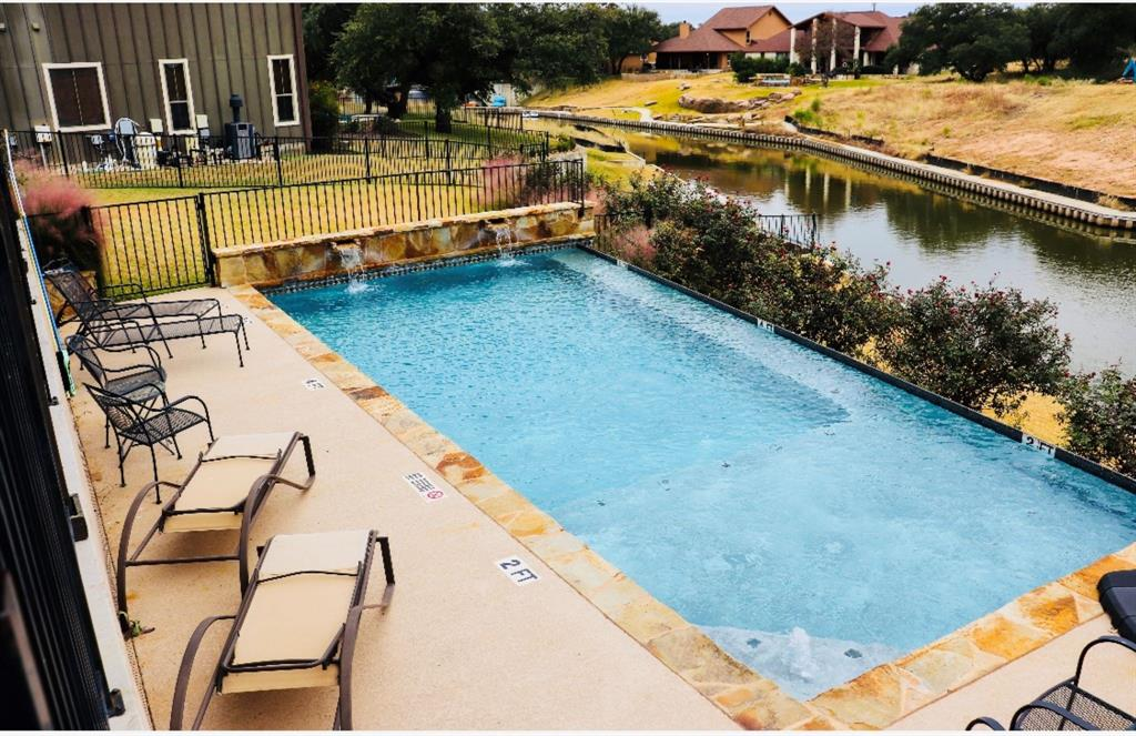 186 Sleepy Oaks Drive Property Photo - Kingsland, TX real estate listing