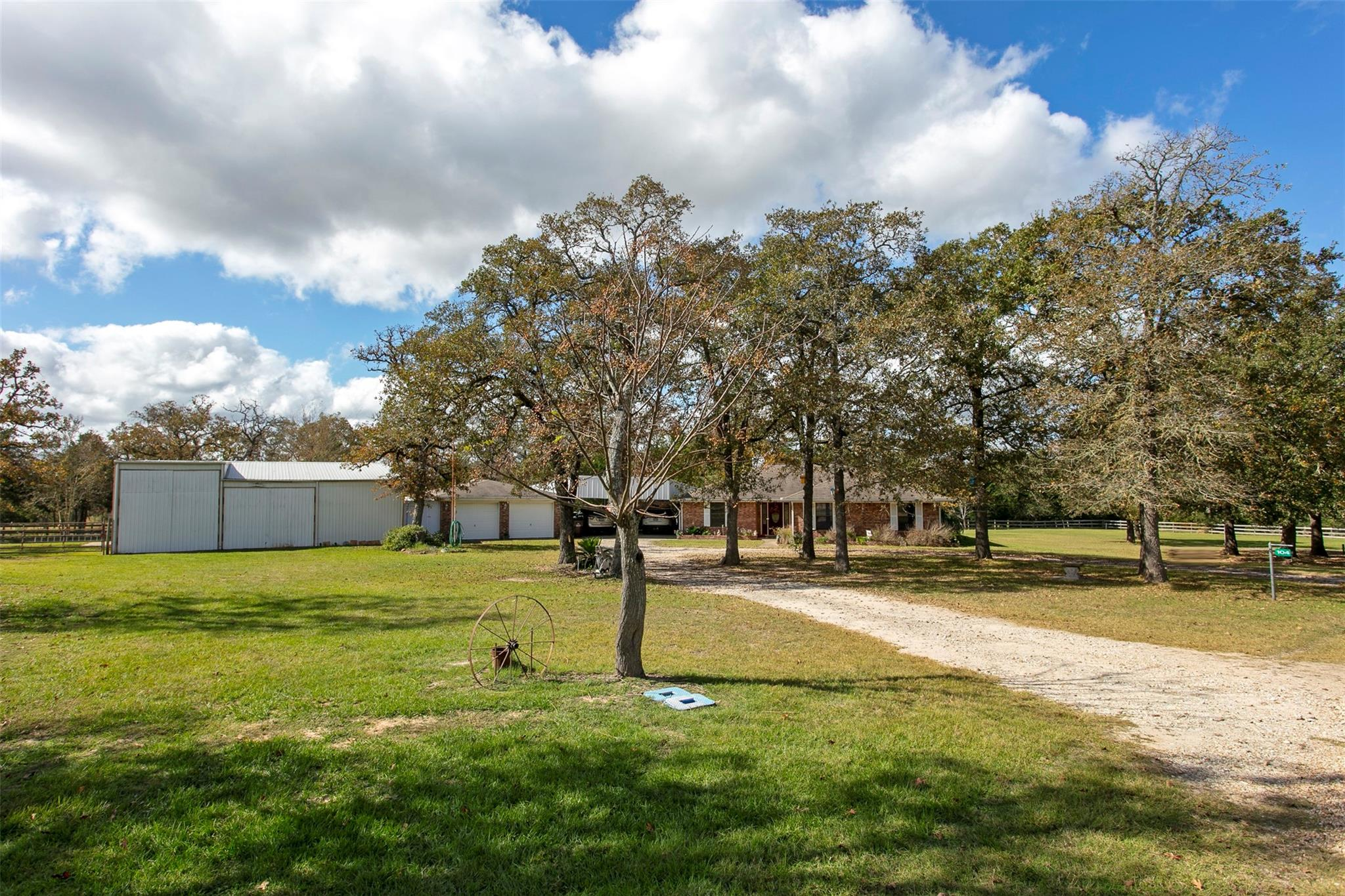 104 Chargers Lane Property Photo - Somerville, TX real estate listing